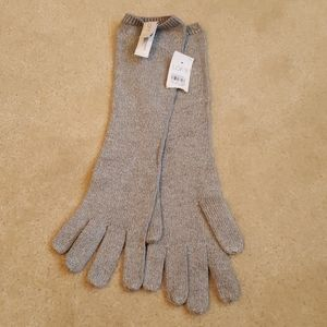 Brand new silver knit gloves with tags